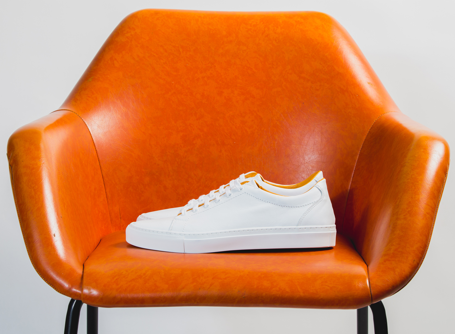 WHITE LO TOP CHAIR